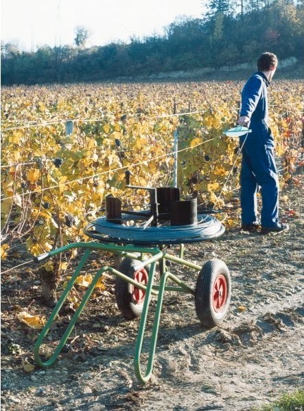vineyard wire dispenser on cart2 s